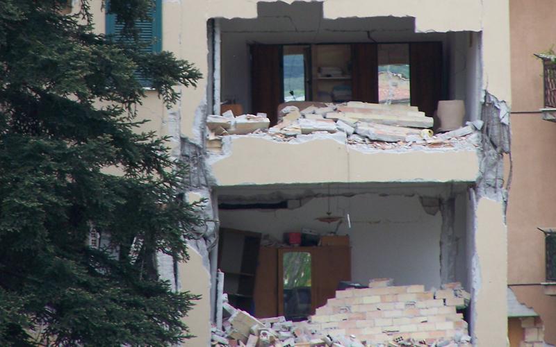 MC109-edificio-l-aquila-sisma