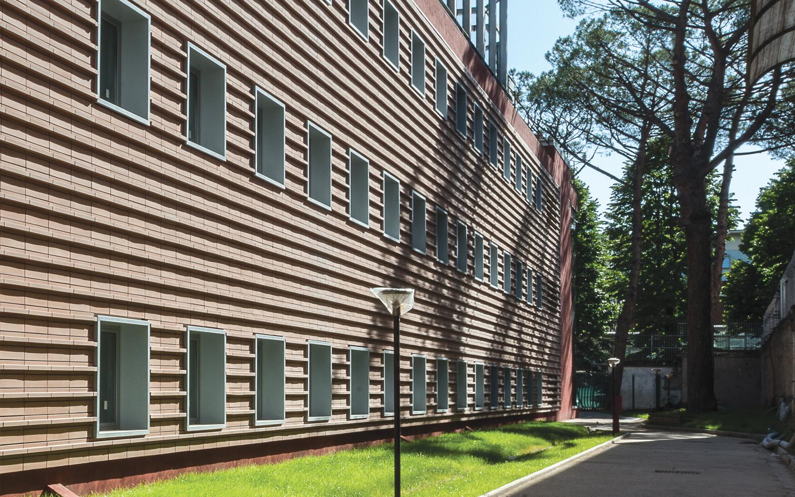 mc114-centro-ricerche-cnr-di-napoli-lecablocco-facciata-ventilata