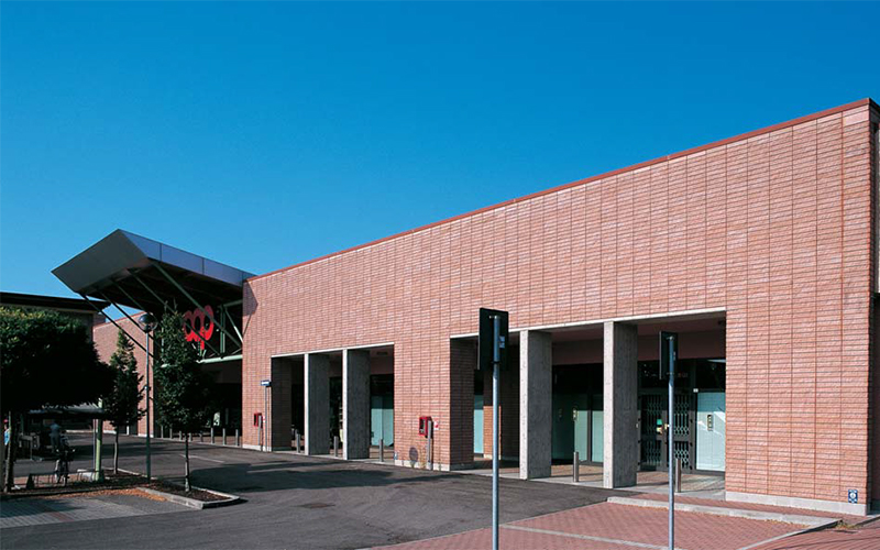 Ed-commerciale-Reggio-architettonico